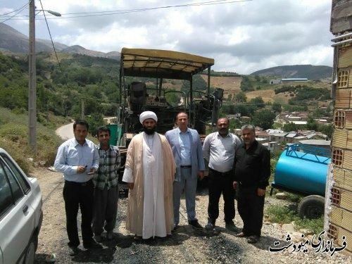 بازدید بخشدار وامام جمعه بخش کوهسارات از پروژ آسفالت روستای ده چناشک