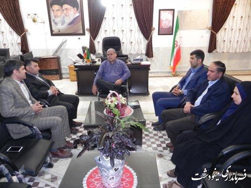 نشست اعضای شورای شهرستان مینودشت با فرماندار