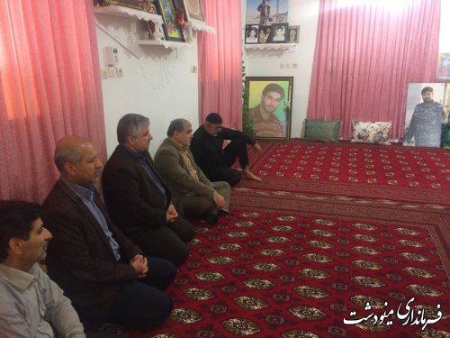 دیدار فرماندار مینودشت با خانواده شهید مدافع حرم