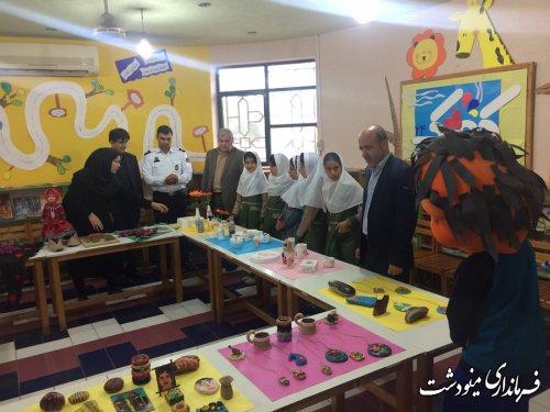 بازدید فرماندار مینودشت به مناسبت روز جهانی کودک
