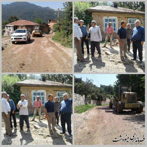 بازدید بخشدار مرکزی مینودشت از روند آماده سازی راه داخل روستای طول آرام