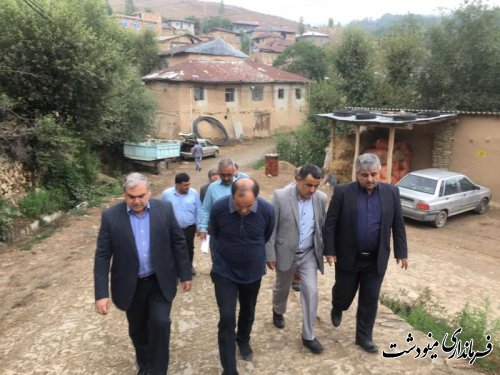بازدید رئیس مرکز بازرسی و ارزیابی عملکرد وزارت کشور از مناطق رانشی شهرستان مینودشت