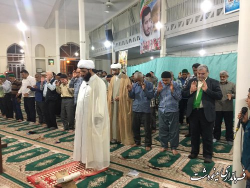 حضور فرماندار در جمع نماز گزاران دوزین به مناسبت عید غدیر خم