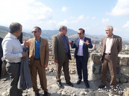 بازدید فرماندار از عملیات عمرانی مزار شهدای گمنام و پارک مرکزی شهر