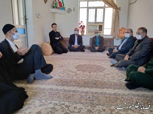 دیدار فرماندار با خانواده شهدا و جانبازان و غبار روبی مزار شهدای گمنام به مناسبت سالروز آزادسازی خرمشهر