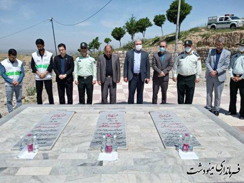 غبار روبی مزار شهدای گمنام مینودشت بمناسبت سالروز آزادسازی خرمشهر