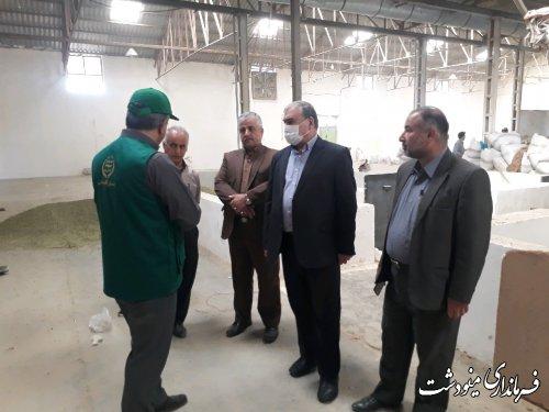 بازدید فرماندار از مراکز خرید پیله تر و محصولات کشاورزی مینودشت