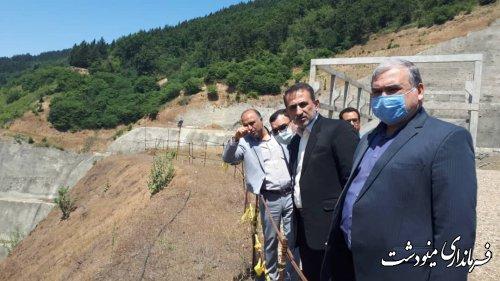 بازدید فرماندار به اتفاق مدیران کل سیاسی اجتماعی و امنیتی انتظامی استانداری از سد نرم آب
