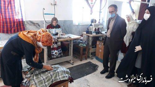 بازدید فرماندار از کارگاه تولیدی پوشاک غزال مینو در مینودشت
