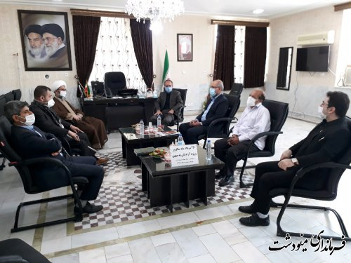دیدار فرماندار مینودشت وجمعی از مسئولان از آزادگان شهرستان به مناسبت 26 مرداد