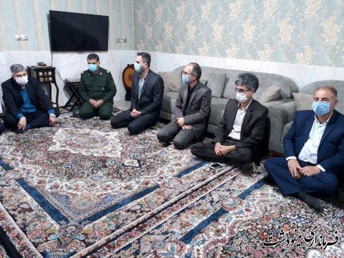 دیدار فرماندار با خانواده شهدا و جانبازان و غبار روبی مزار شهدای گمنام به مناسبت هفته دولت