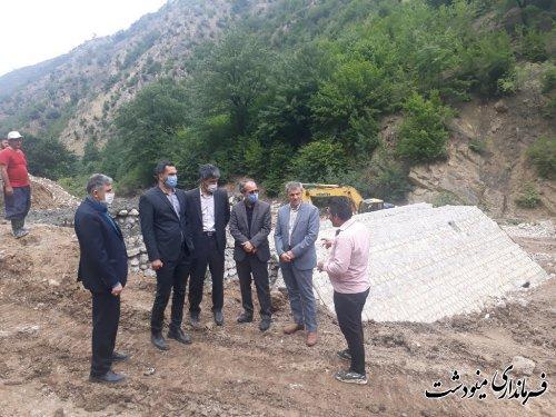 بازدید فرماندار از پروژه های منابع طبیعی و آبخیزداری مینودشت
