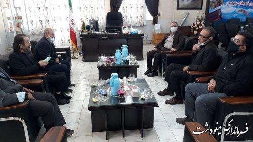 دیدار پیشکسوتان فوتبال شهرستان مینودشت با فرماندار